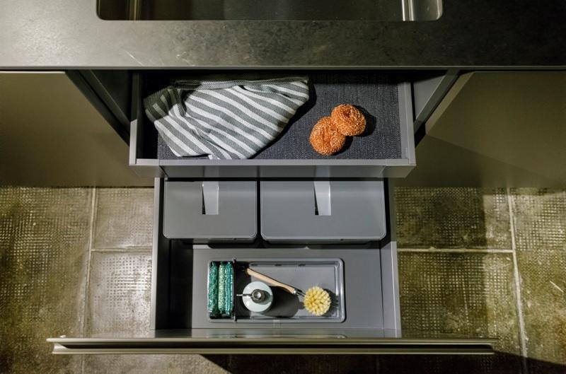 módulo de desperdicio con los mejores cubos de basura y complementos a detalle